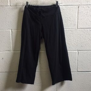 Lululemon black crop pant, sz 6, 58703